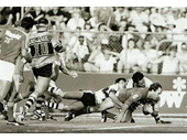 223 - Wally Lewis scores a crucial try during the 1986 Grand Final