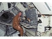 120 - Inside Skylab