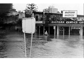 1974 Floods at river end of Cavill Avenue