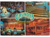 1980's Surfers Paradise postcard 5