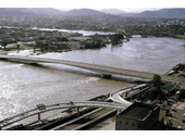46 - Victoria Bridge during the 1974 Flood