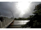 94 - Victoria Bridge during the 2011 Brisbane Flood