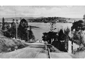 5 - Looking down Toorak Road toward the river in 1909