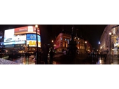 L04 - Piccadilly Circus at night