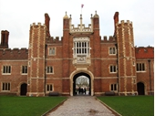 L85 - Hampton Court 1