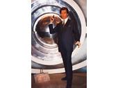 MT17 - James Bond at Madam Tausads