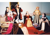 MT34 - Henry VIII and his wives at Madam Tausads