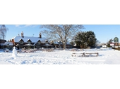 4 - Thatcham - Swan pub in snow