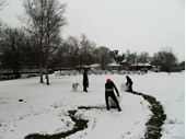 Woolhampton - Rowbarge pub - kids rolling snow