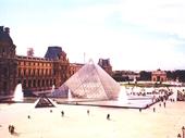 15 - Louvre Museum