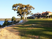 82 - Houses overlooking Swan River