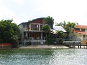 64 - Noosa canal home 3