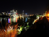 23 - Brisbane from Kangaroo Point at night